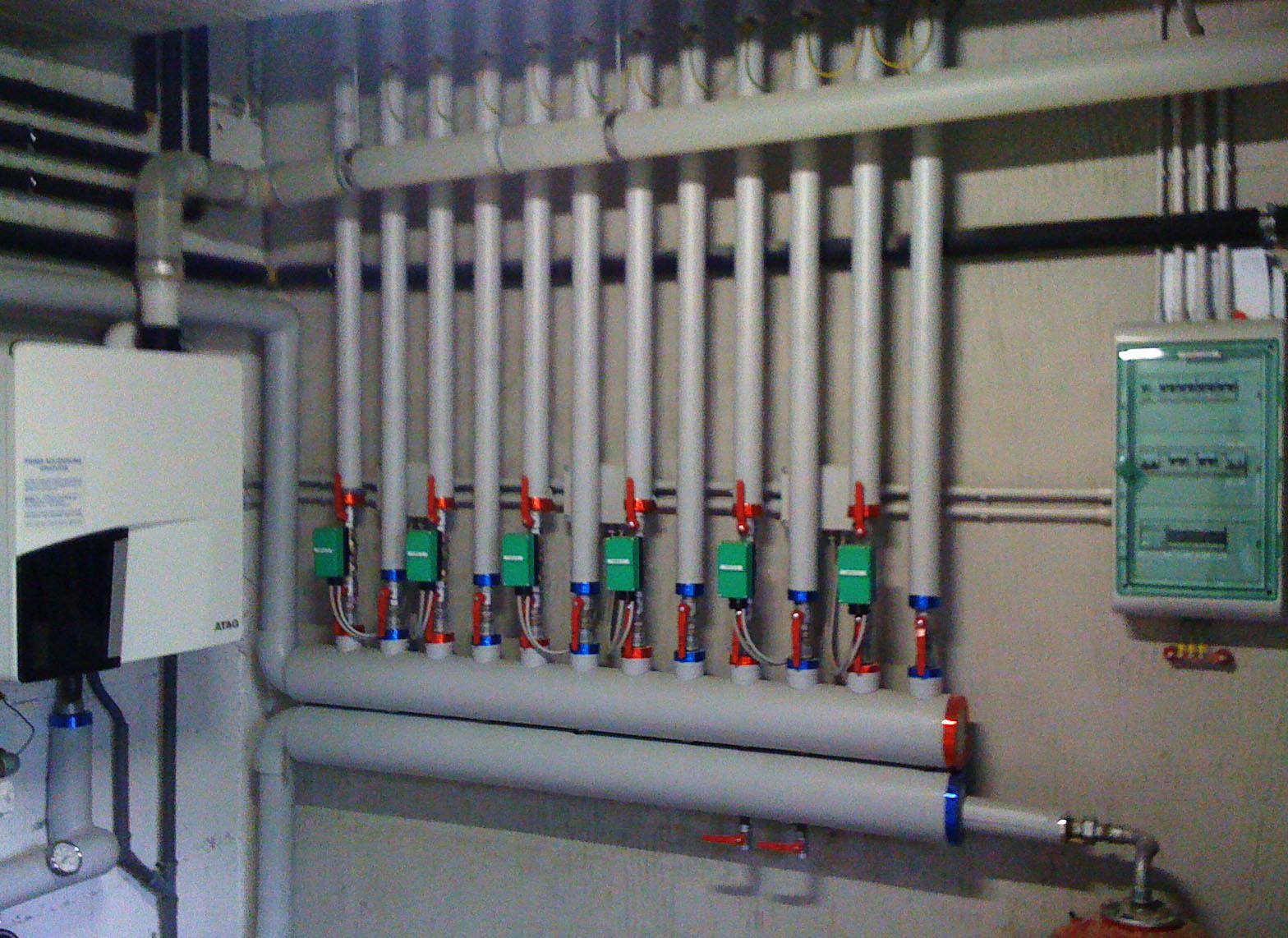 Sanitermica ambrosini s r l impianti di riscaldamento for Meuble ambrosini